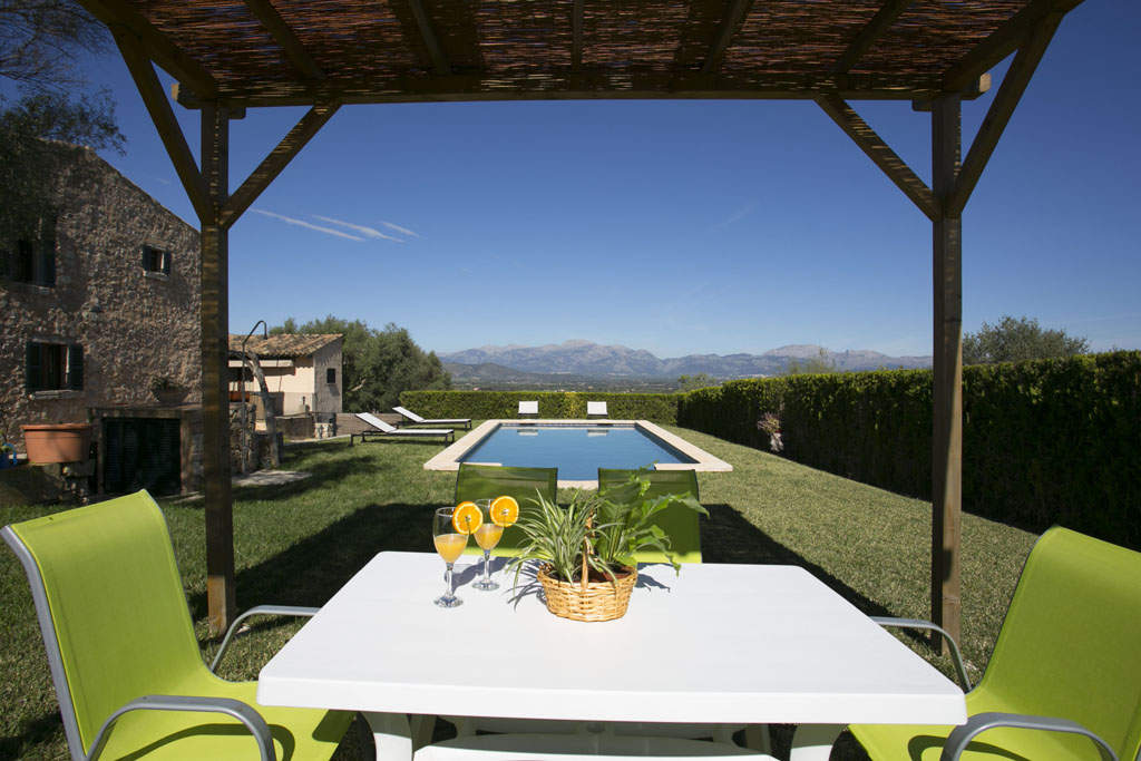 Accomodation Country house Llubi